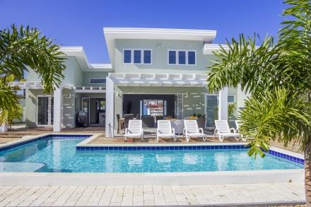 Malmok Beach Break Villa Id 105