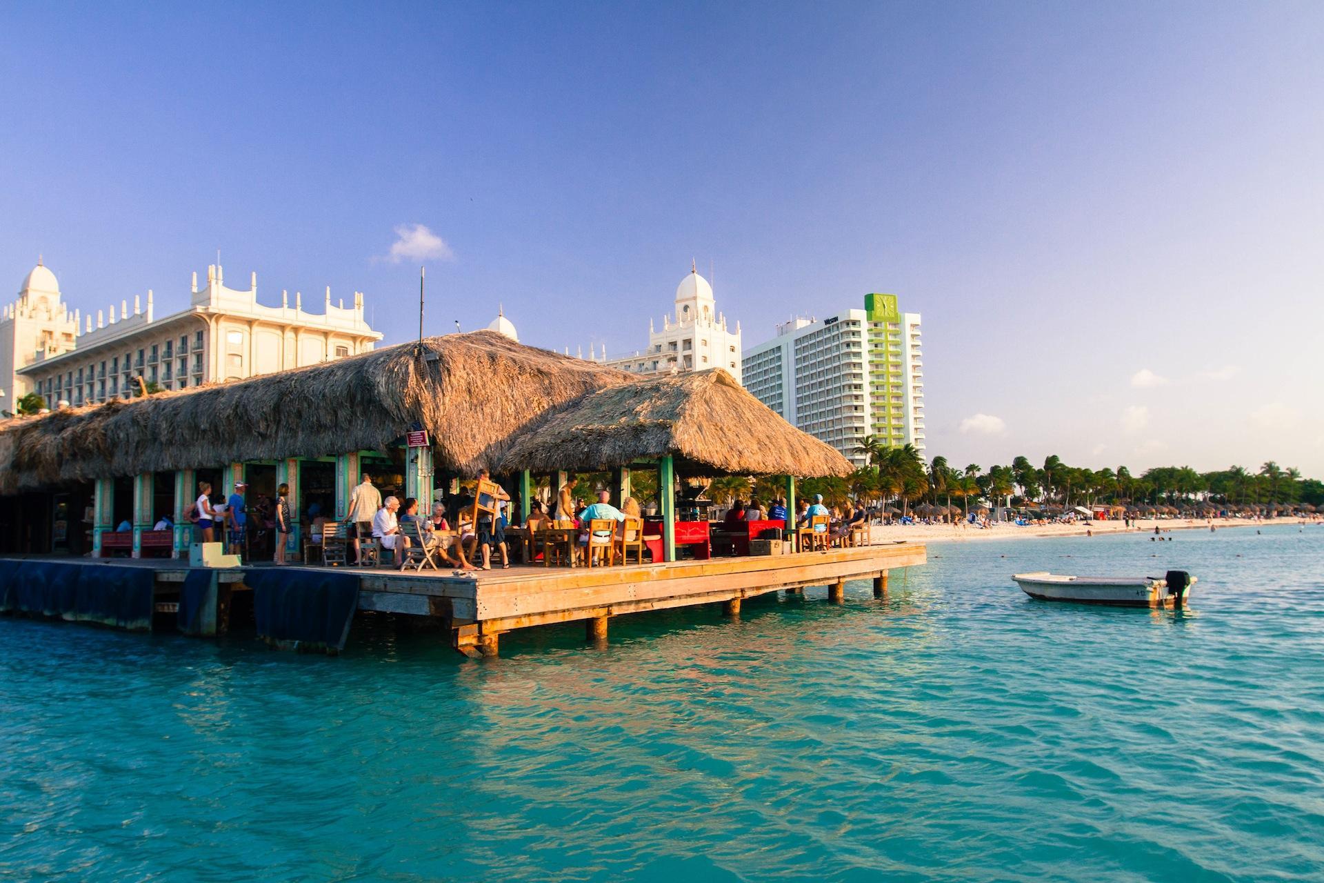 aruba villa vacation homes - discover aruba's relaxing beach bars